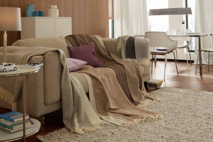 plaids und decken walter schrott raumausstatter in meran bz s dtirol italien. Black Bedroom Furniture Sets. Home Design Ideas