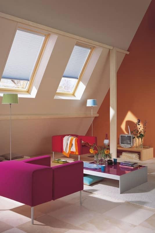 raffrollo elektrisch trendy rollos fr mehr atmosphre im wohnbereich with raffrollo elektrisch. Black Bedroom Furniture Sets. Home Design Ideas